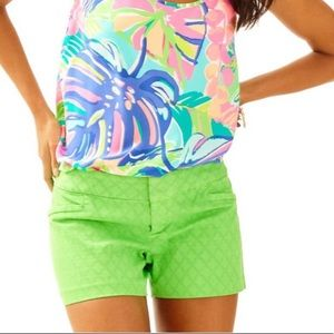 Lilly Pulitzer Ellie shorts in go go green, sz 4